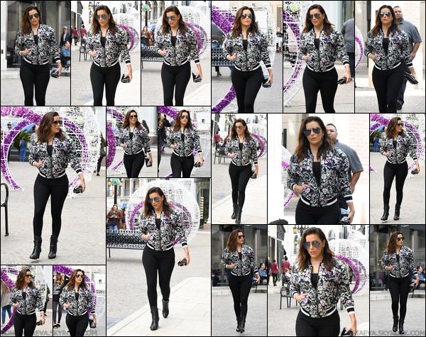 27/11/17 : Eva Longoriaà été photographiée dans les rues de Beverly Hills, - en Califonie. J'aime beaucoup la tenue qu'Eva porte, je lui accorde donc un top !
