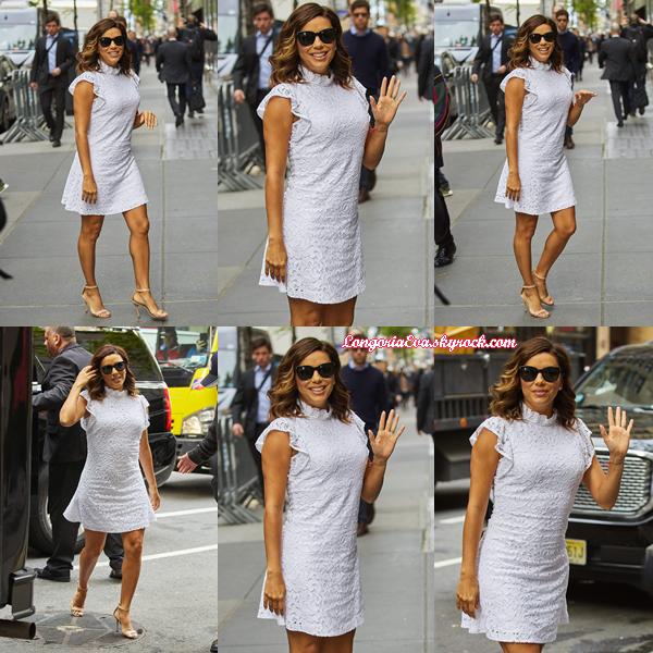 14/05/17 : Eva se promenant dans les rues de New York City.