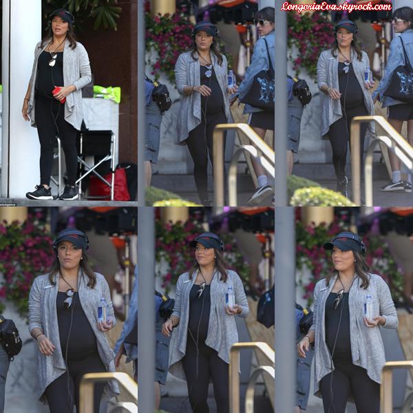 17/03/18 : Eva était sur le tournage de sa nouvelle série  Grand Hotel   à Miami , en - Floride. Encore une tenue sombre mais elle reste confortable pour la jolie actrice, petit top.
