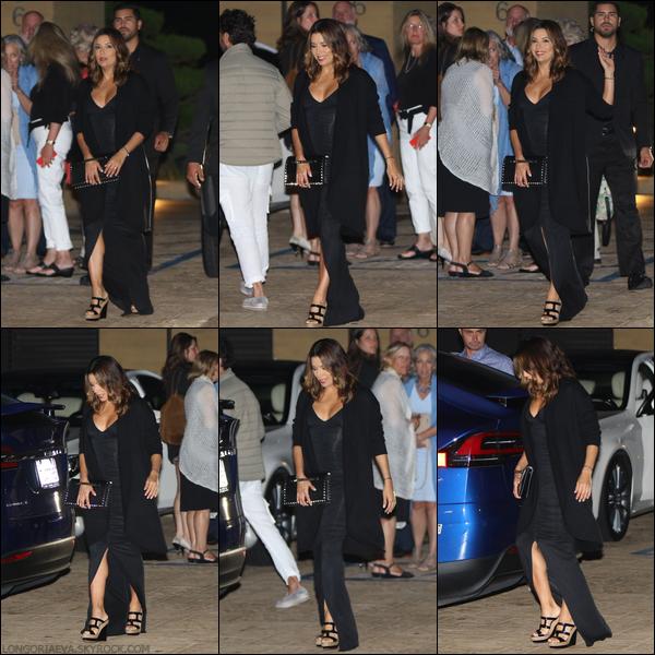 16/06/17 : Eva allant dîner avec ses amis à Malibu , en - Californie.