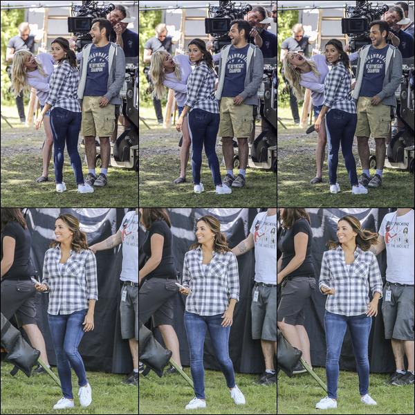 06/06/17 : Eva sur le tournage d'Overboard en compagnie d'Anna Faris à Vancouver , au - Canada.