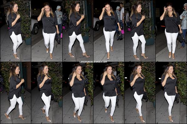 13/08/18 : Eva se rendant au restaurant Mr.Chow en compagnie de son mari à Beverly Hills , en - Californie. Une belle tenue black&white c'est un joli top pour l'occasion !