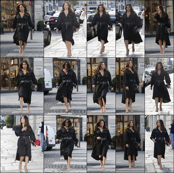 24/09/18 : Eva se promenant dans les rues de Paris , en - France. Une tenue très sombre mais l'actrice est radieuse, c'est un top !