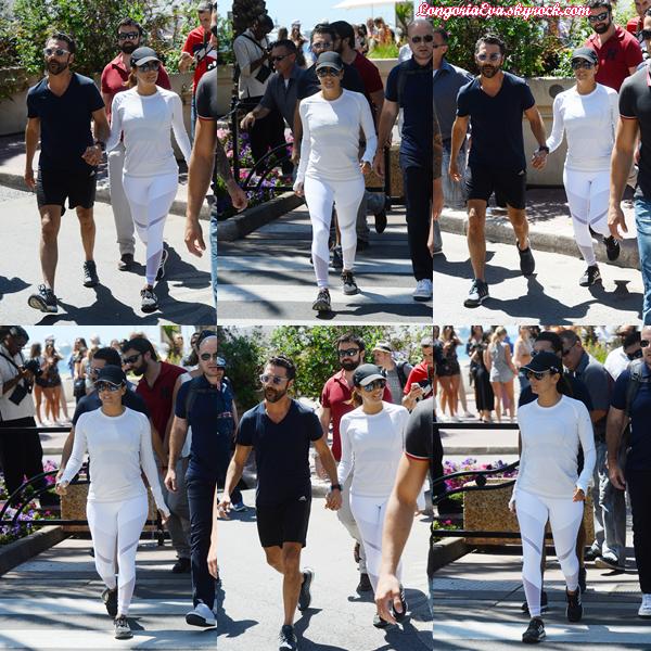 21/05/17 : Eva quittait la plage de Martinez à Cannes , en - France.