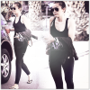 29/03/12 : Miley quittant son cours de pilate dans West Hollywood, un smoothie en main.