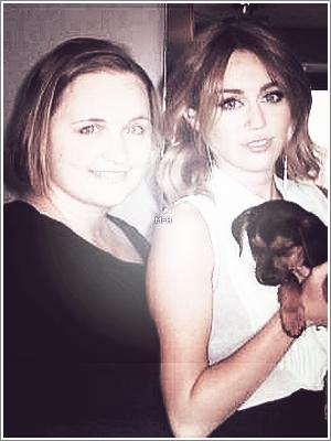 """Découvrez l'interview de Miley pour le site """"BILD"""" qui a eu lieu en mai à Los Angeles."""