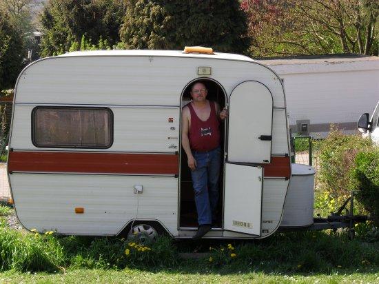 moi en vacance devent ma caravane