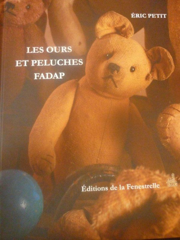 Livre sur les ours et peluches Fadap