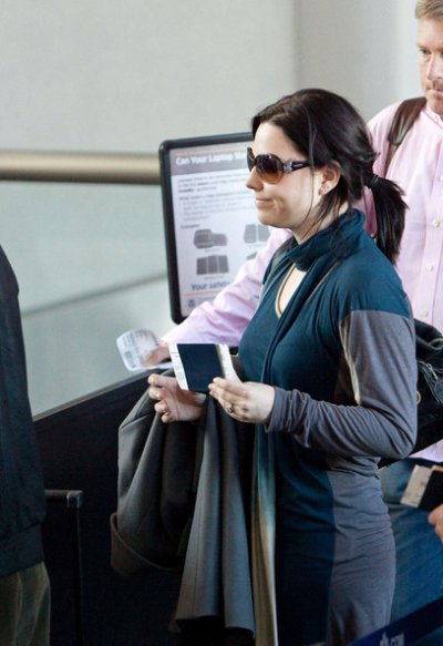 Amy a l'aéroport