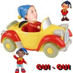 Oui oui dans sa voiture jaune et rouge qui fait la - Oui oui et sa voiture ...