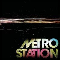 Metro Station / Shake It (2007)