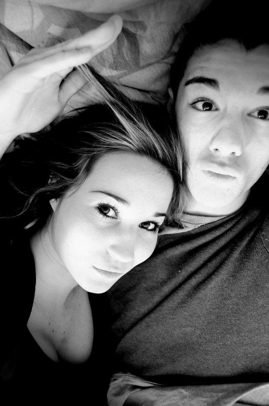 ❝ Je suis ton pile, toi mon face, tu es l'envie et moi le geste. T'es le jamais de mon toujours. T'es mon amour. Le toi du moi.❞