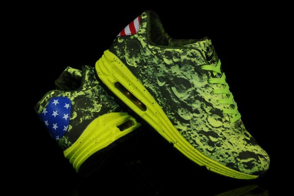 premium selection 7426c 7cc42 Chaussures Nike Moon Landing Pour Femme Nike Air Max Lunar90 SP