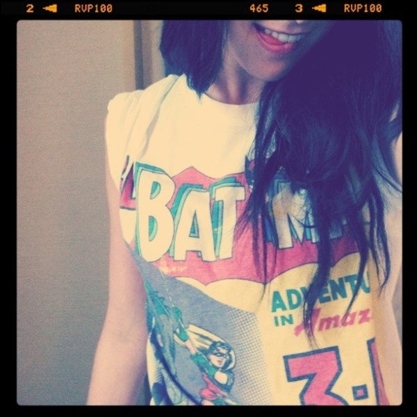 Hilly et son super T-Shirt Batman :)
