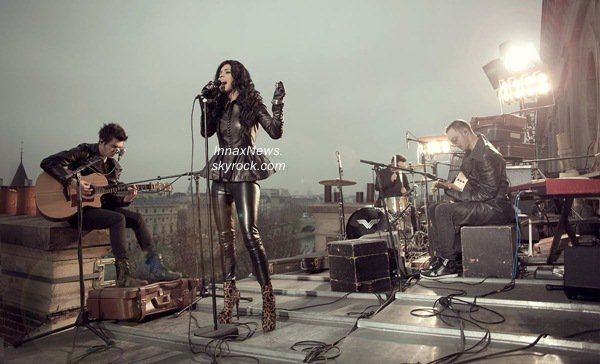 """INNA @ Metro Live (Newcastle-UK)    + INNA chante """"Mai Frumoasa"""" à Paris pour la fête de la Roumanie. Votre avis ?"""