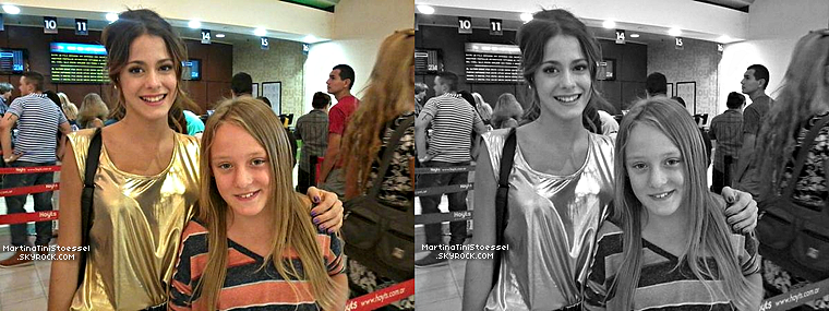Martina Stoessel était au cinéma le 26 janvier 2013, elle a donc pris une photo avec une jeune fan.