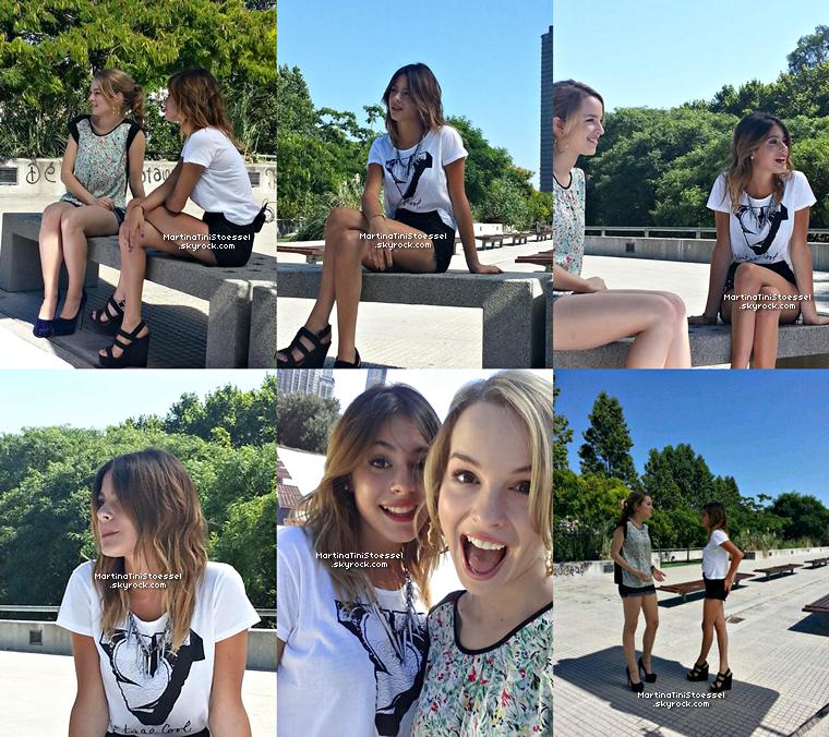 Martina et Bridgit étaient en extérieur pour donner une interview le 30 janvier 2013. J'adore leurs tenues !