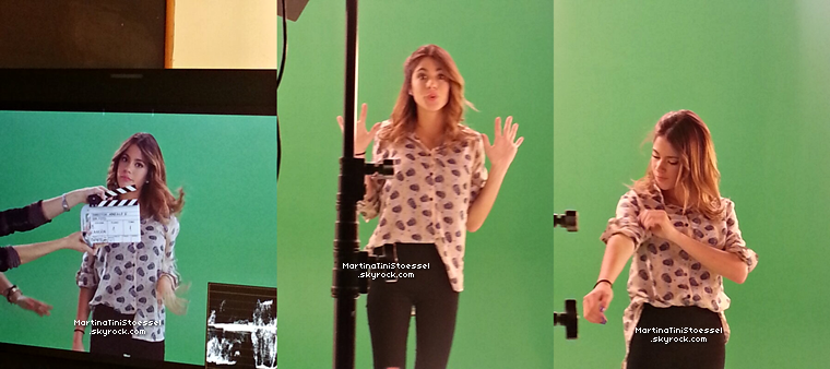Martina Stoessel enregistrant une vidéo promotionnelle pour « Disney Channel » il y a peu.