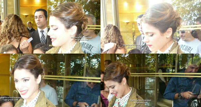 Nouvelles photos de Martina arrivant au Chili le 5 avril 2013.