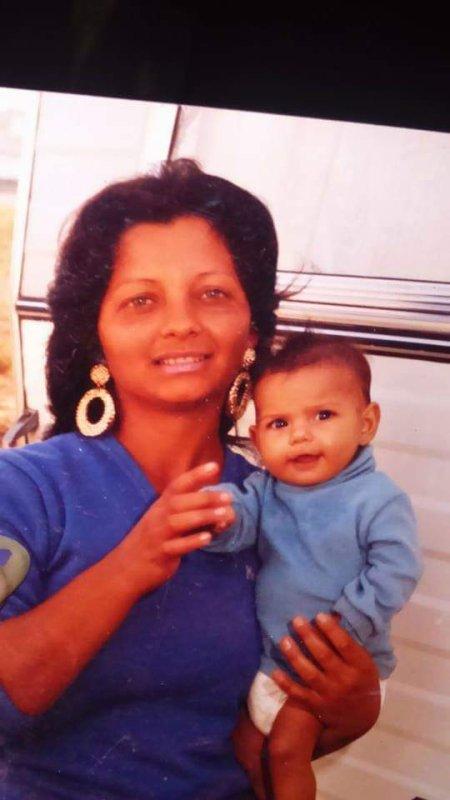 Moi de bb avec ma tante