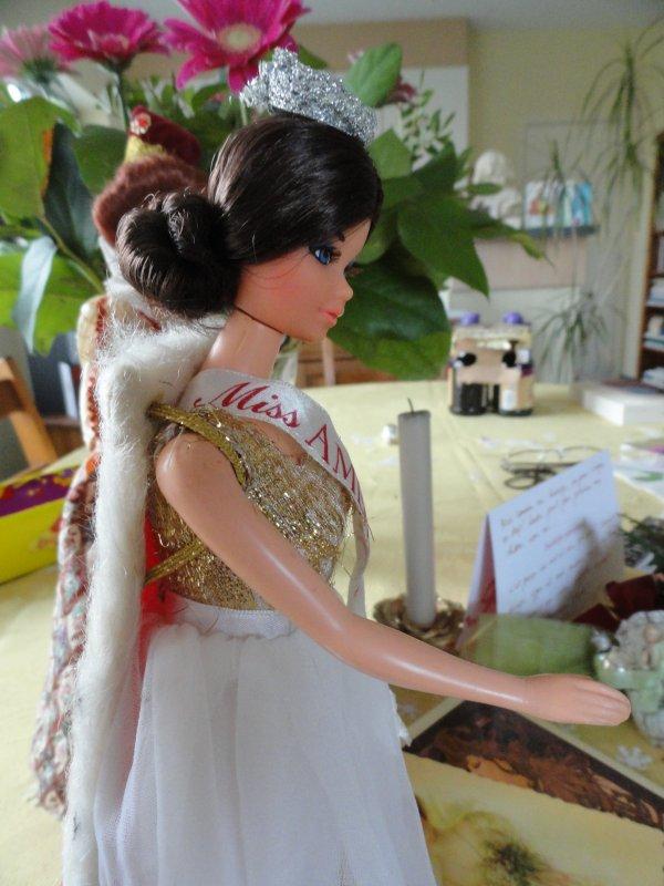 """""""Miss America"""" , Barbie de 1976 et Elizabethan Queen, collector Barbie"""