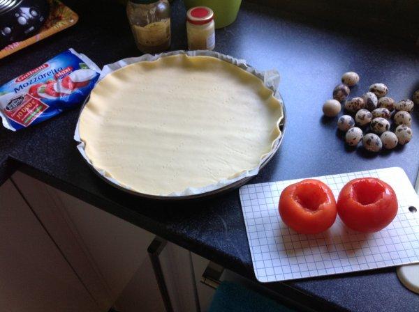 Quiche tomates, mozzarella et basilic