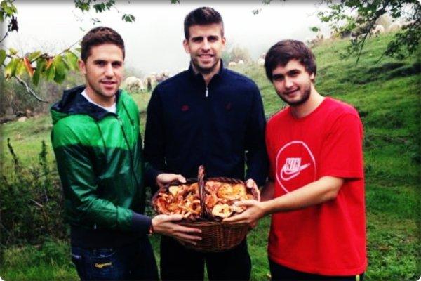 Barça: Cueillette des champignons pour Piqué en compagnie de son frère Marc Piqué et Andreu Fontàs