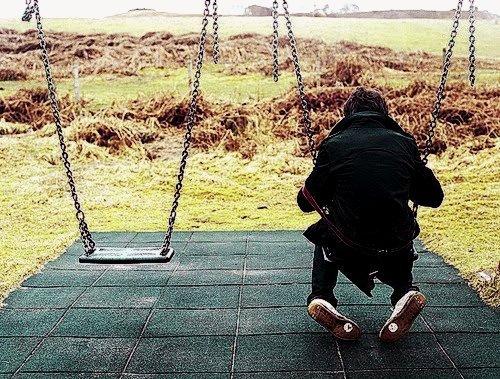 Tu crois que sa marche ? quand ne tu viens pas me parler,quand tu ne me fais pas de sourrire,quand tu continue a ta vie comme si j'avais jamais exister,quand tu m'ignore.Tu crois vrément que je t'oublie ?