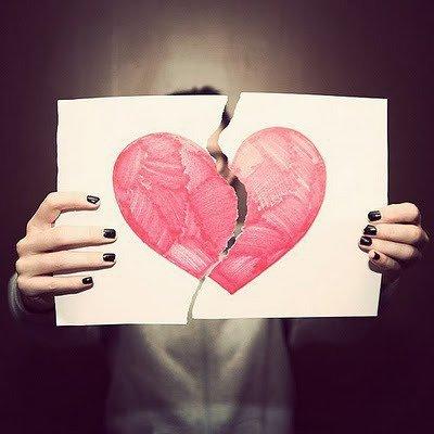 Tu as une bouche pour m'embrasser ,des yeux pour me regarder , des oreilles pour m'écouter ,mais tu n'as pas le coeur prêt à m'aimer.