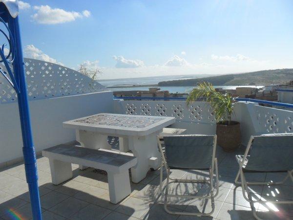 """A LOUER  N° 1  """" APPARTEMENT CANNELLE """"  charmant F2 avec vue panoramique sur la lagune     HAMMAM gratuit à disposition"""