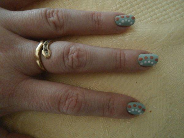 nail art légèrement plus travailler