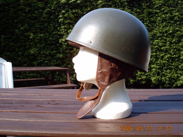 31. BELGIQUE & ROYAUME-UNI - Casques de motocycliste Armée Belge