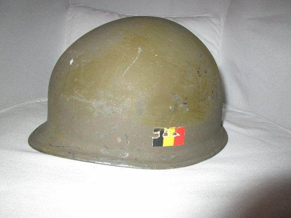 37. BELGIQUE - Casque belge modèle OTAN 51