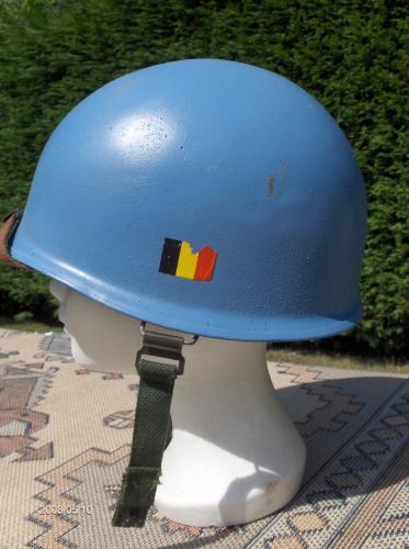 40. BELGIQUE - ONU - Casque belge Modèle OTAN 51 aux couleurs des Nations-Unies