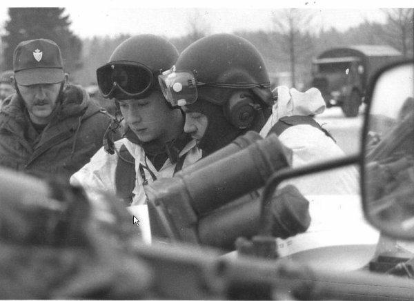 45. BELGIQUE - Casque équipages blindés ABL vers 1975