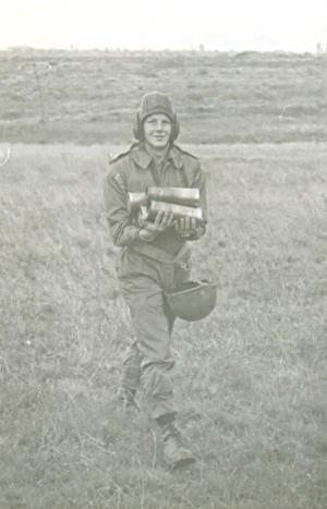 46. BELGIQUE - Casque des équipages de blindés ABL vers 1975