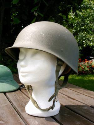 194. ALLEMAGNE (République Fédérale) - Casque Bundeswehr modèle 62