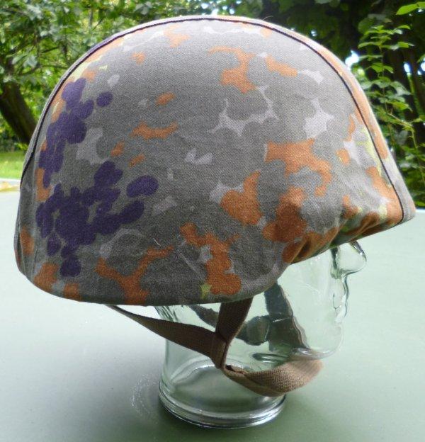 56.2 BELGIQUE - Couvre-casque pour Kevlar en usage Force Aérienne Belge et chez les MP