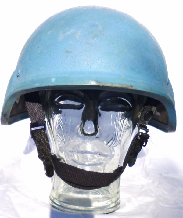 826 - CASQUES divers en usage civil