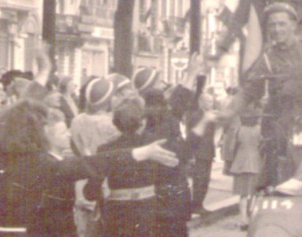 820.1 BELGIQUE - Casque de la Croix-Rouge
