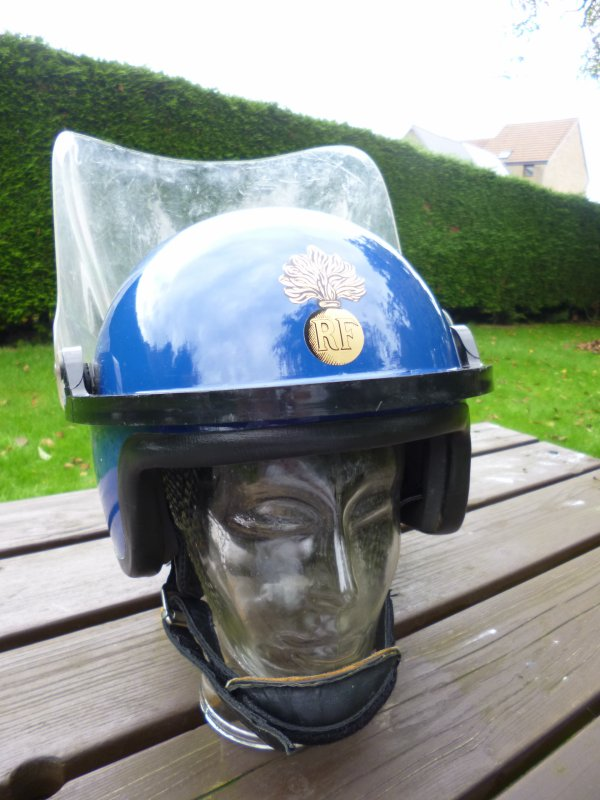 749.1 FRANCE Casque Maintien de l'Ordre de la Gendarmerie Mobile
