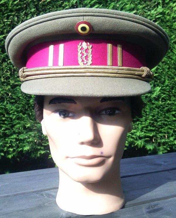 850 - BELGIQUE Une diversion dans la collection de casques ! Un képi !