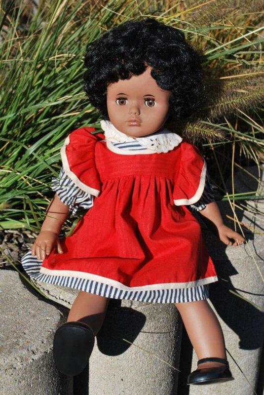 La poupée DREI M et les framboises