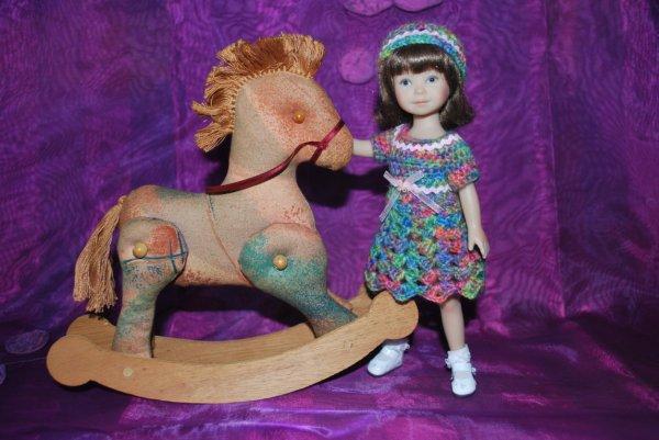 Une nouvelle robe et un cadeau pour Lucie