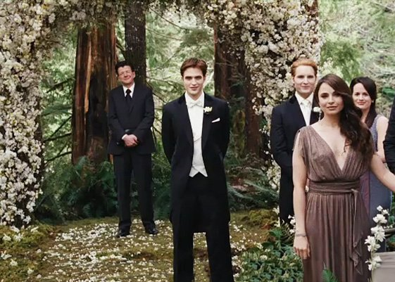 Voici les photos officielles de Breaking Dawn ! :)