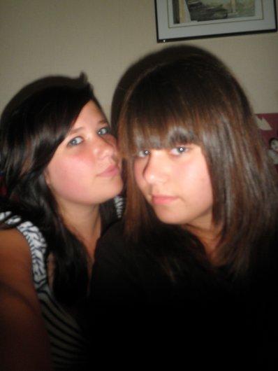 La Grande Soeur & La Petite soeur <3  (: