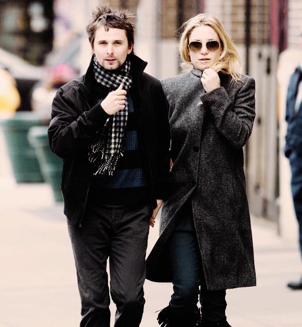 """Comme vous le savez Matt Bellamy et Kate Hudson attendent un bébé, voici ce que Kate a déclaré   """"J'ai l'impression que c'est une fille mais je n'en suis pas sûre. Ryden le pense également"""".  Préssé de voir la petite bouille de leur bébé?"""
