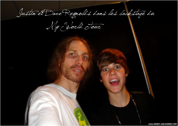. Justin Bieber malade recherche une infirmière !   .  Justin Bieber est tombé malade. Il a d'intenses maux de gorge et doit se reposer. Il lui reste 3 jours pour récupérer afin d'assurer le spectacle au Madison Square garder le 31 août. Une gentille infirmière est requise rapidement… Justin Bieber a besoin d'une gentille infirmière pour s'occuper de lui. L'ado de 16 ans est tombé malade, alors qu'il est en pleine tournée. A force de faire hurler ses fans, c'est finalement lui qui a des problèmes de cordes vocales. Sa gorge est vilainement atteinte et Justin Bieber souffre mille morts. En plus de ça, il a attrapé un coup de froid. Résultat, Justin Bieber est off et doit absolument préserver sa voix s'il veut continuer de donner des concerts. C'est son médecin qui lui a formellement conseillé de se reposer et de s'économiser. Ne pouvant plus s'exprimer oralement, c'est sur Twitter que Justin Bieber tient ses fans informés de son état de santé. La star du moment tient à remercier ses fans de leur soutien, particulièrement quand il a commencé à flancher en plein concert le 24 août dernier. Et pour tous ceux qui ont peur qu'il ne puisse pas assurer ses prochains shows, Justin Bieber veut les rassurer. S'il se tient tranquille, son médecin lui a assuré qu'il sera au point pour son mega show au Madison Square Garden de New York le 31 août prochain. Pour bien récupérer, Justin Bieber, toujours célibataire, aurait bien besoin de câlins. Y a-t-il une gentille infirmière prête à se sacrifier ? Source: Staragora  .
