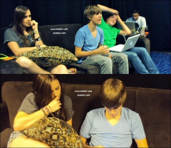 . Caitlin & Justin dans les backstages du My World tour.