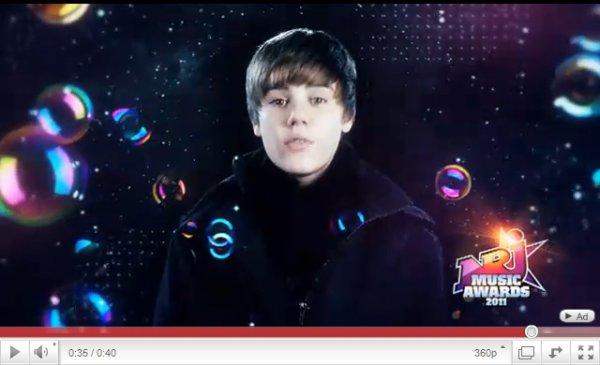 .  Justin a performé une deuxiéme fois au MSG pour le Z100′s Jingle Ball 2010 ! .